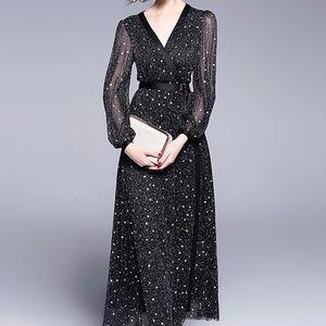 NWT! Stunning Evening Gown Black Stars